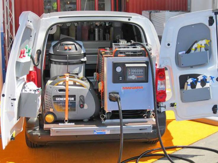 Allestimento per lavaggio auto a domicilio supervan for Allestimento furgoni fai da te